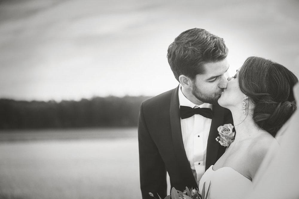 Bröllopsberättelse: Charmigt slotsbröllop med Josef och Katrine