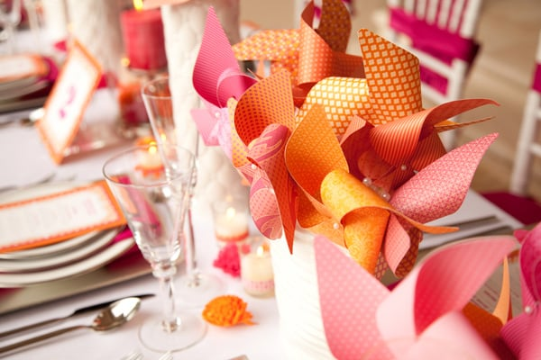 Dekorationer i rosa och orange