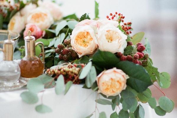 Blomstergirlanger till dukning