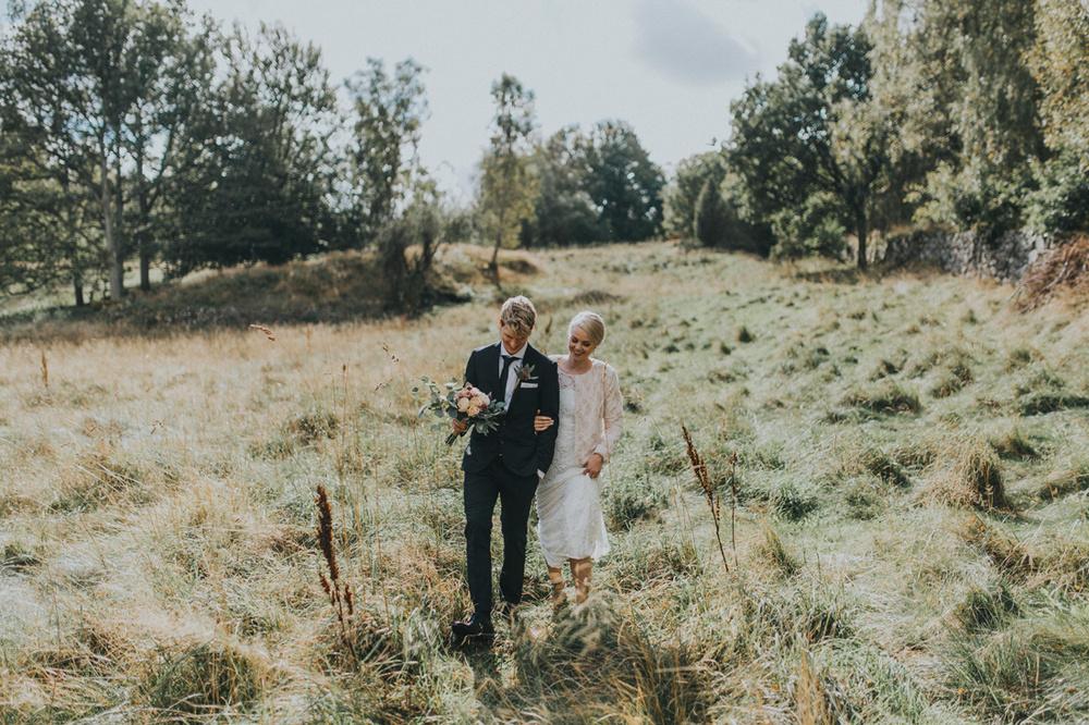 Stämningsfullt septemberbröllop: Johanna och Sam