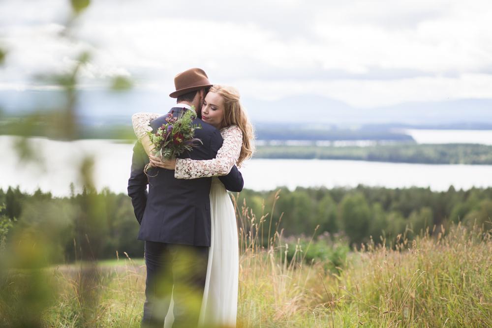 Bohemiskt höstbröllop med ladufest: Isabelle och Sebastian