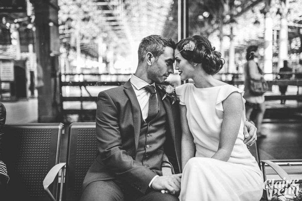 Enkla vintageinspirerade brudklänningar