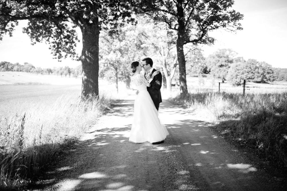 Lantligt bröllop på Rosenhanska magasinet: Hannah och Johan