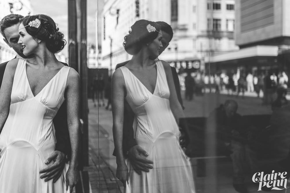 Enkla vintageinspirerande brudklänningar