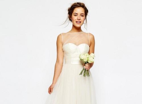 Brudklänningar från Asos