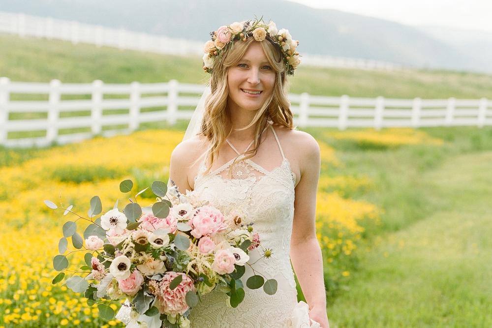 Lantligt och romantiskt bröllop i Colorado