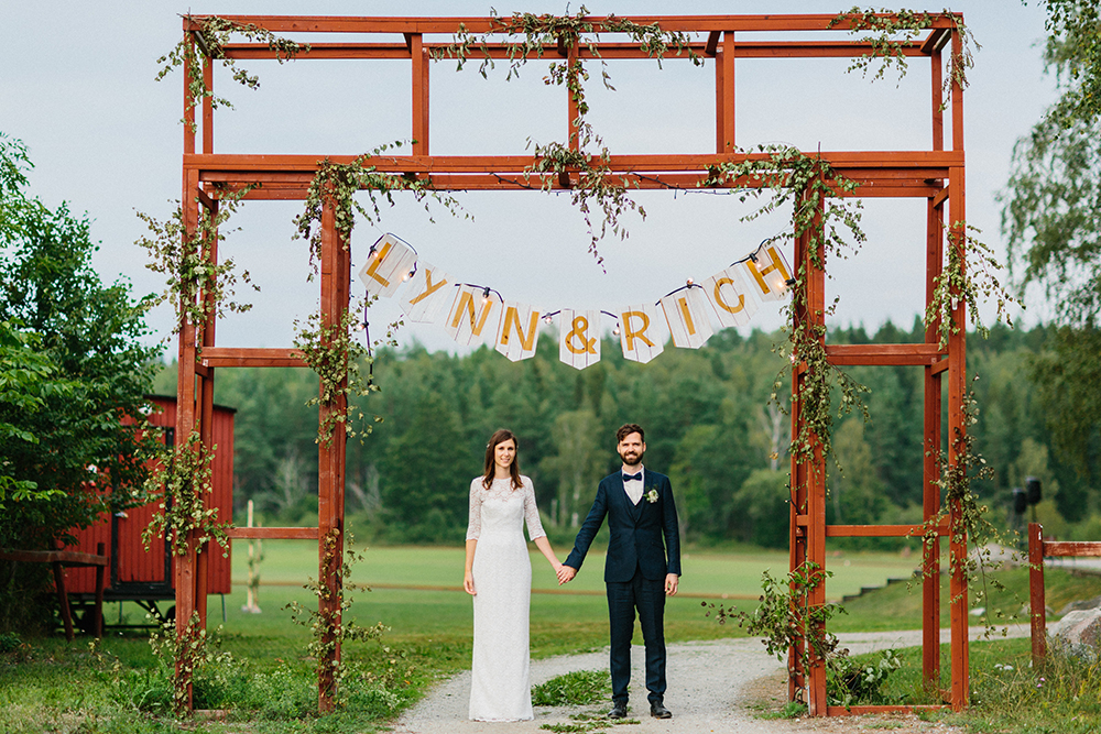 Rustikt och skogsnära bröllop: Lynn och Richard