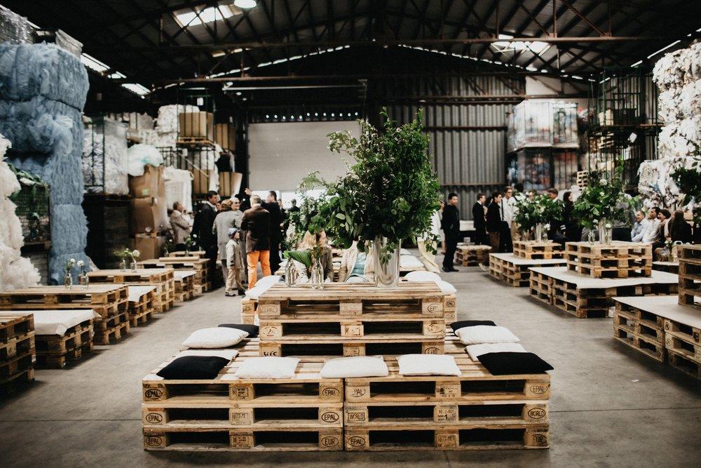 Bröllop i lagerlokal