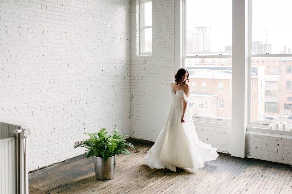 Drömska brudklänningar från Everthine
