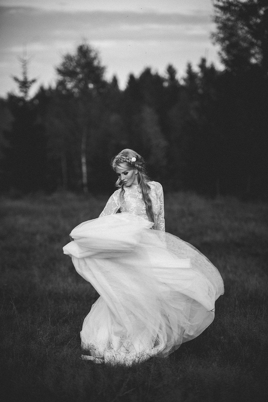 Brudklädsel
