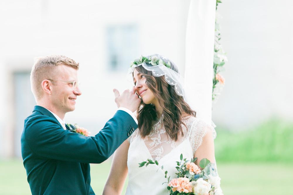 073-sweden-mälsåker-mariefred-wedding-photographer-videographer.jpg