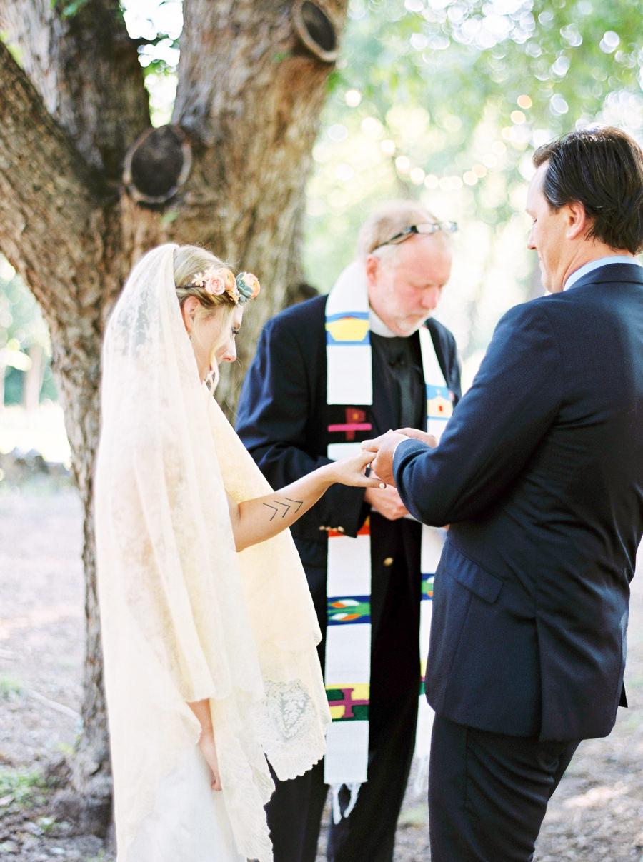 marionhphotography-cullen-wilson-wedding_spring_dale_farm_austin-WEB-118.jpg