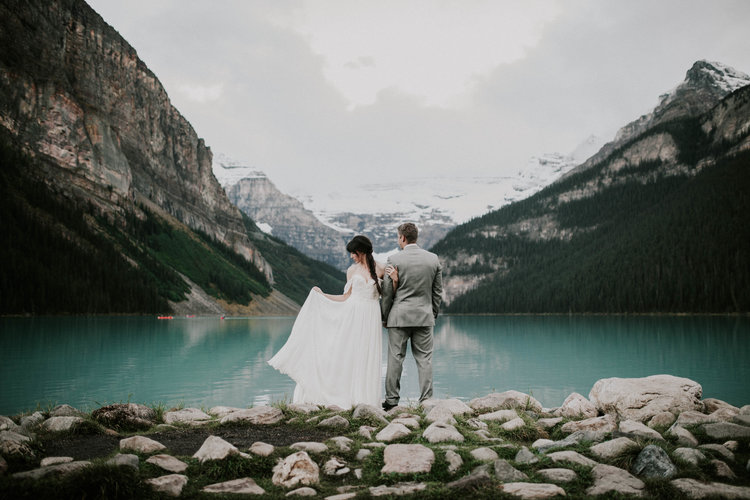 Lake+Louise+Elopement-Banff+National+Park+Wedding-7.jpg