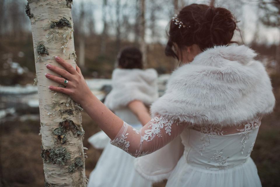 Stämningsfullt nyårsbröllop: Kim + Säde, Fotograf:Peter Petrowskji