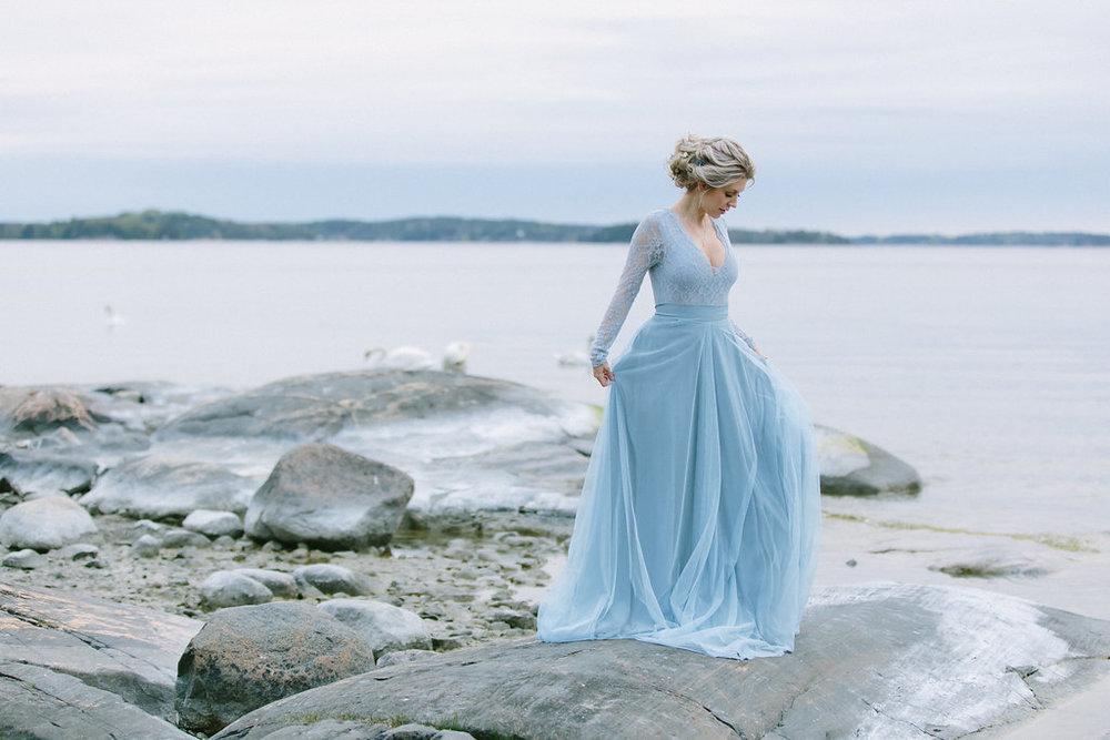 blå brudklänning
