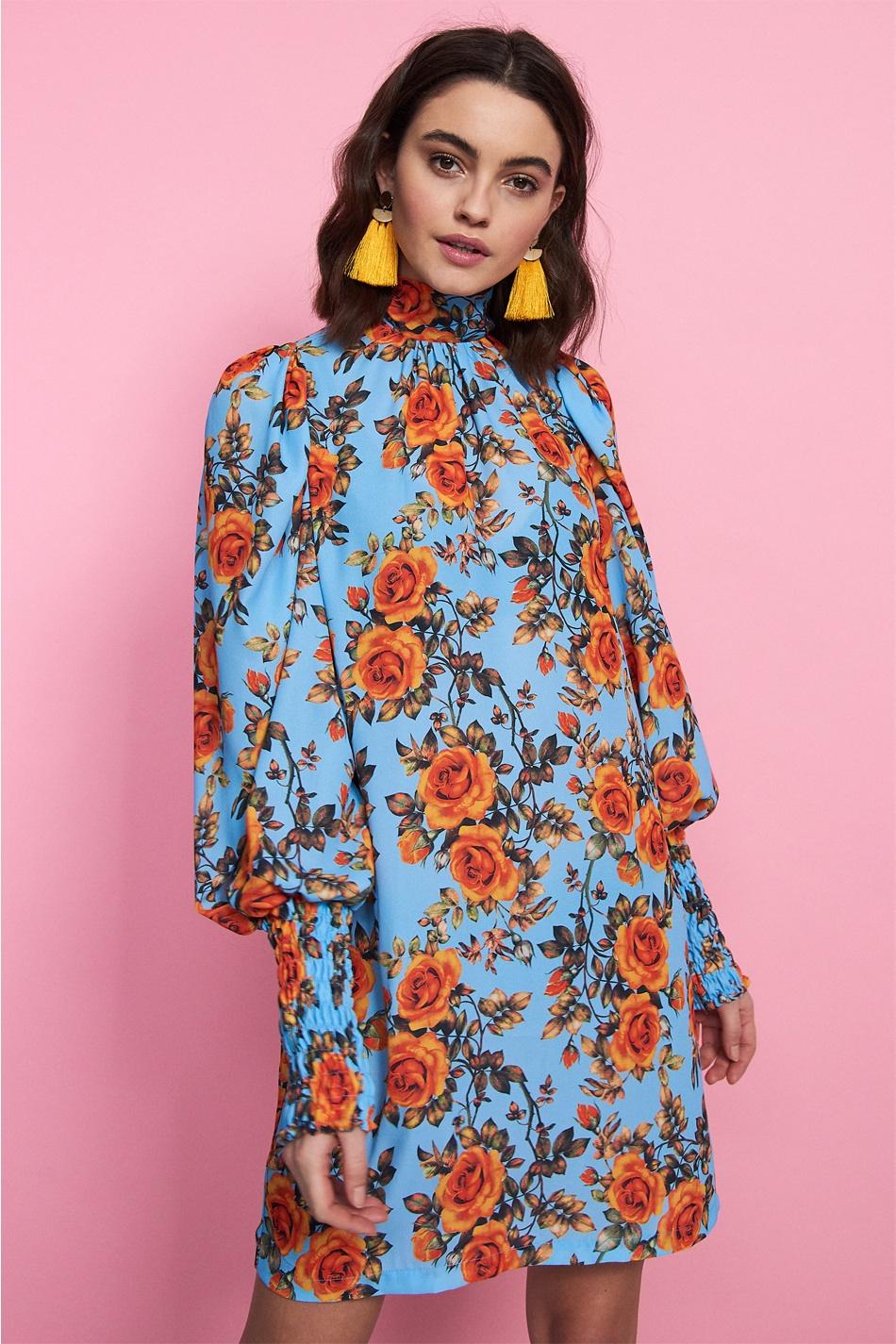 Blommig klänning , Gina Tricot