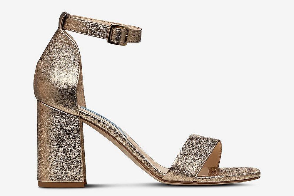 Sandaletter i guld , Ellos
