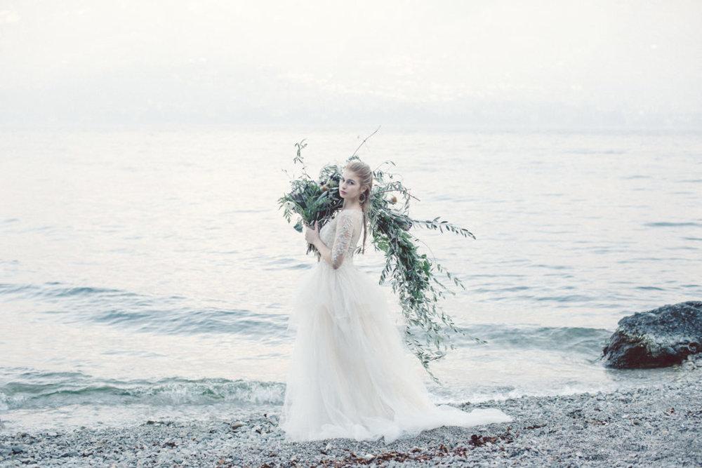 bröllop+brudbukett+brudklänning.jpg