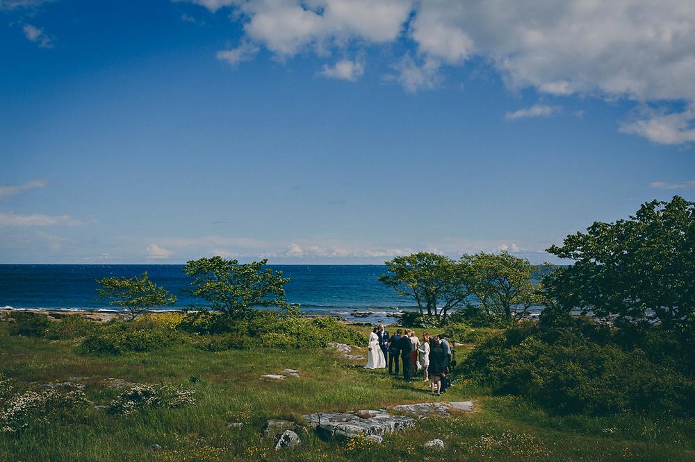 Fotograf: Mickael Tannus .Se mer från detta bröllop här: Intimt bröllop på Österlen: Kimberly och Eric