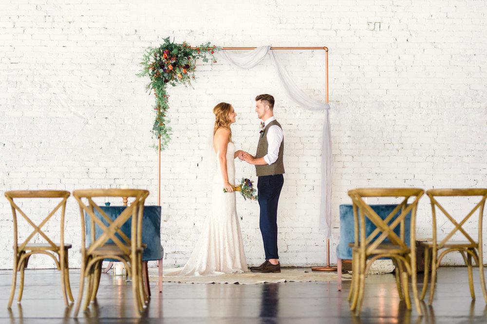 boho+bröllop+brudgum+klädsel+brudklänning