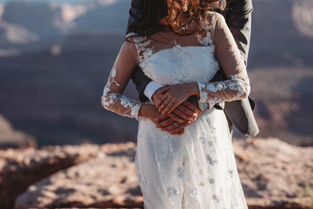elopement+mountain+bröllop+vigselring