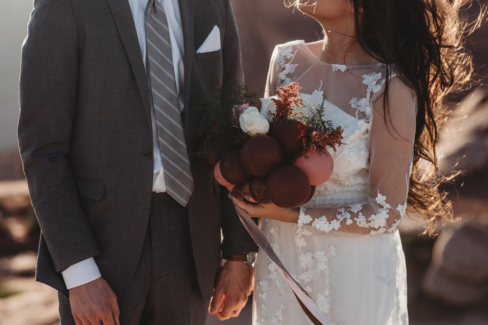 elopement+mountain+bröllop+bukett+ballong
