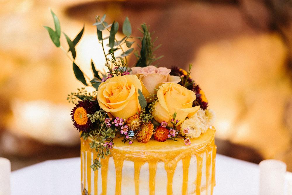 höst+bröllop+dukning+middag+tårta