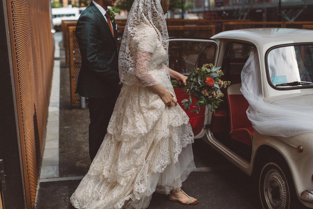 Avslappnat och ärligt sommarbröllop: Alexandra + Andrea //Fotograf: Amanda Falkman .