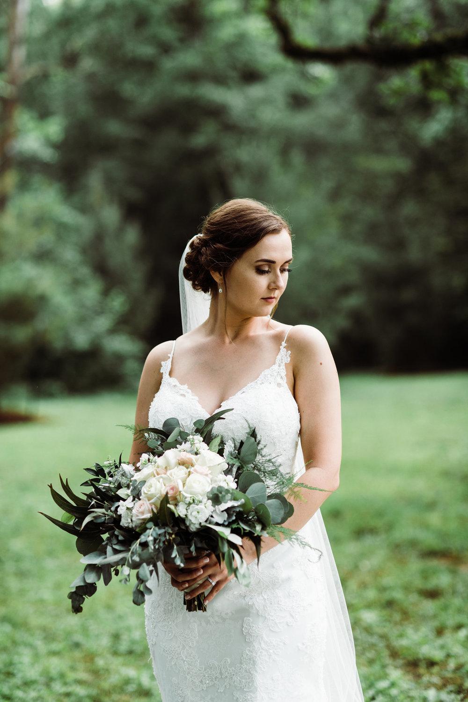 bröllop+inspiration+brud+klänning+bukett