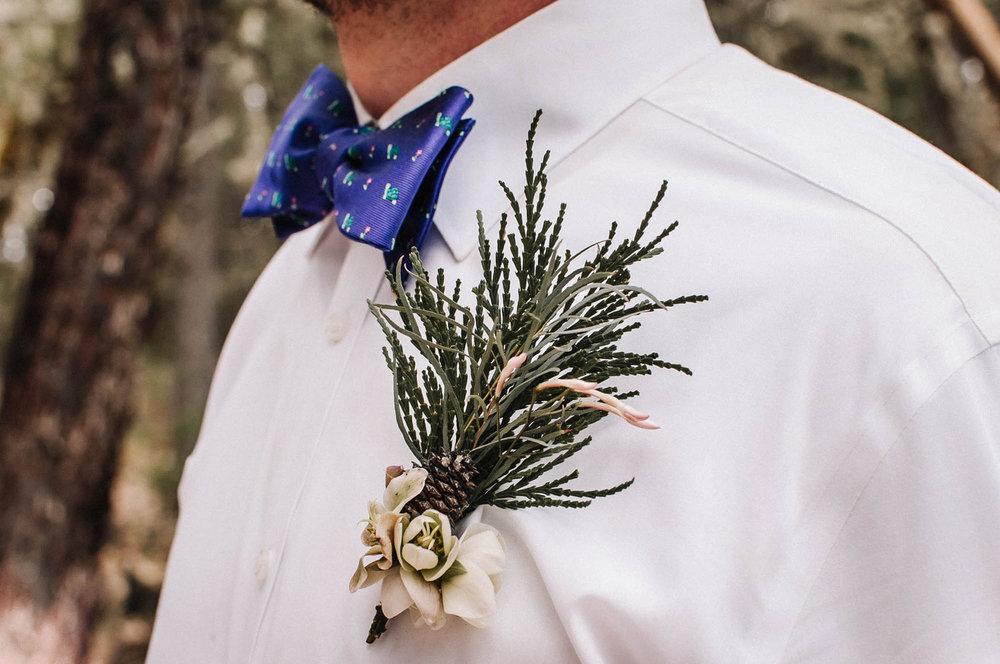 bröllop+elopement+bohemiskt+brudgum+kläder