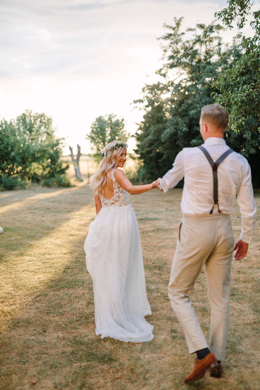 brudpar+pasteller+lantligt+bröllop