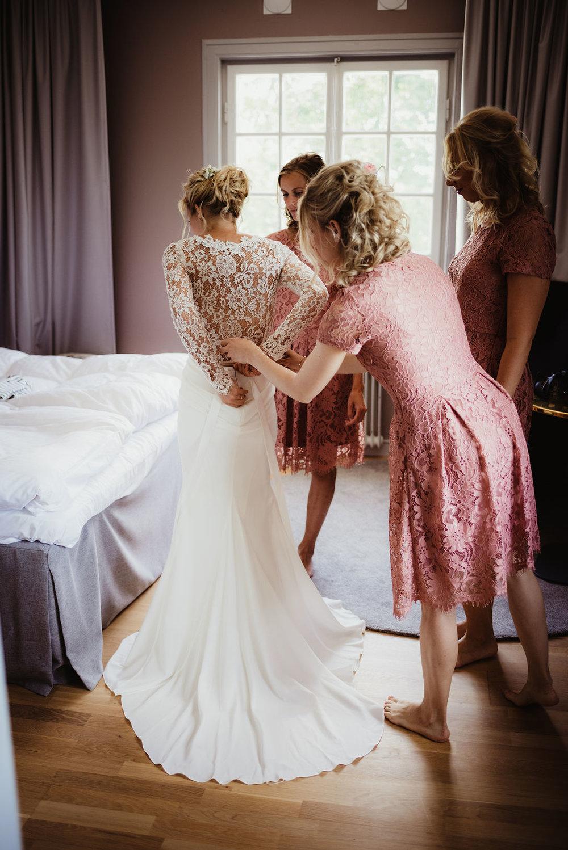 brudklänning spets chiffong