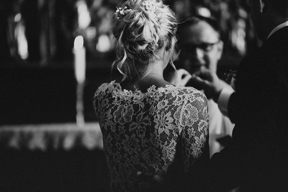 att gifta sig i kyrka
