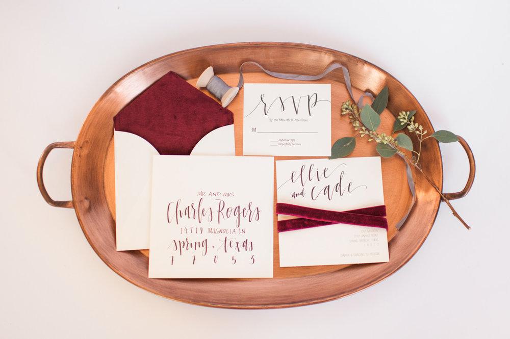 bröllop+klänning+rustikt+elopement+trycksaker