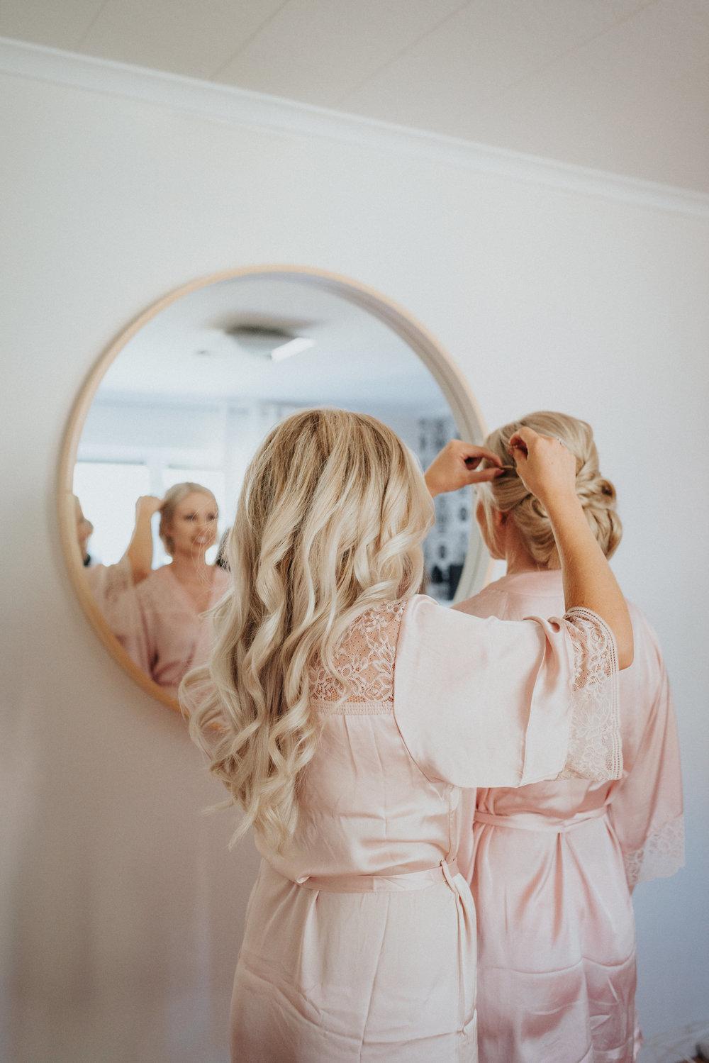 bröllop + håruppsättning + brud