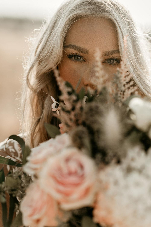 boho+florist+bohemisk+klänning+brudbukett