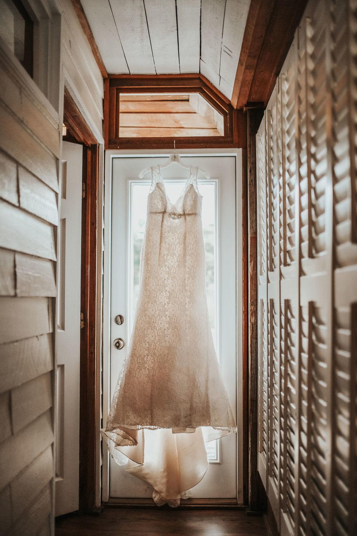 elegant+lantligt+bröllop+brudklänning