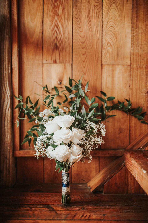 elegant+lantligt+bröllop+brudbukett