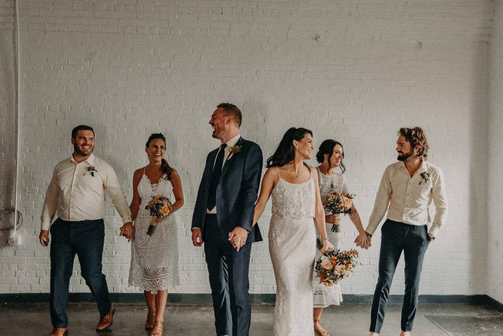 bröllop+boho+brudklänning+kostym