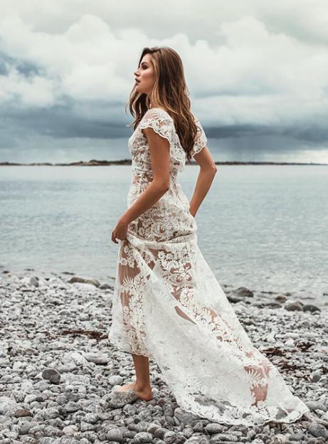 Spetsbrudklänning , By Malina