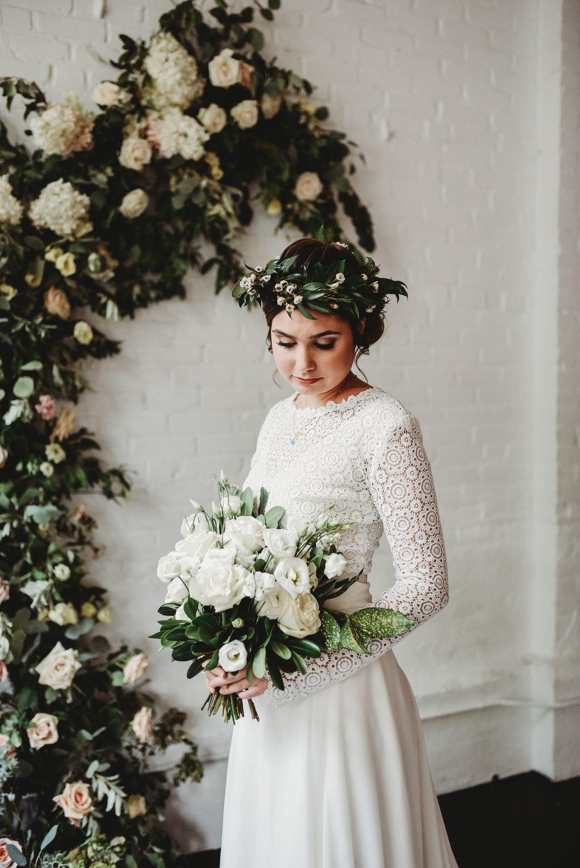 Boho+brudbukett+brudklänning+bröllop