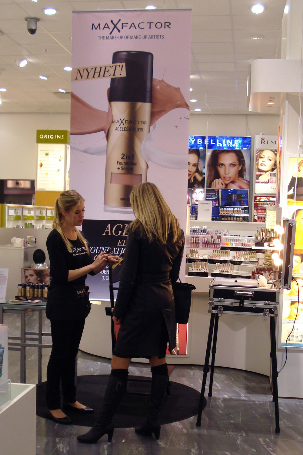 Max Factor demonstration på Åhlens city i Malmö.