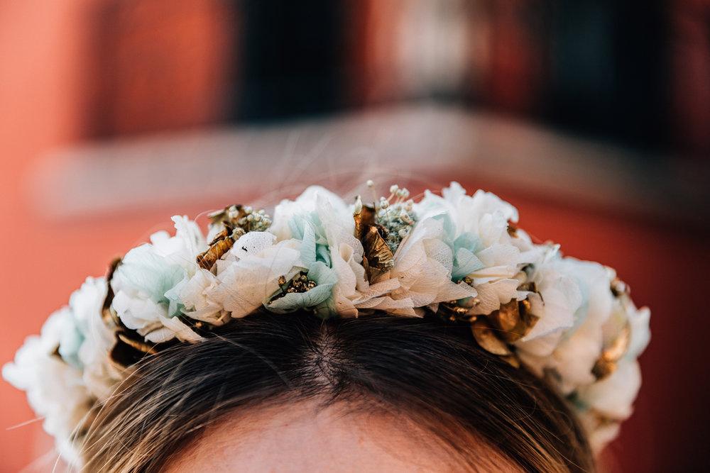 bröllop+brudklänning+blomsterkrans