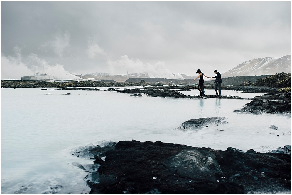 iceland-blue-lagoon-engagement-photography_0020.jpg