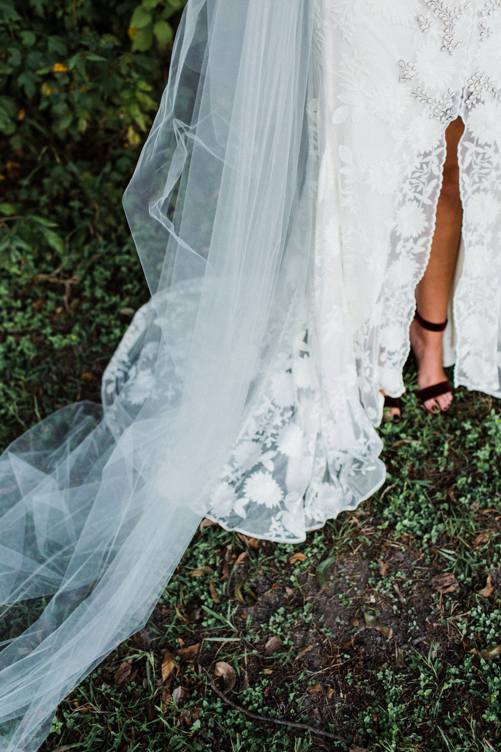 McCurdy_Bloom_LaurenBloomPhotography_MoodyDallasBridalsLaurenBloomPhotography14of37_big.jpg