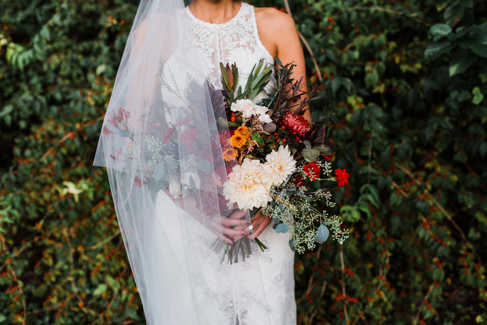 McCurdy_Bloom_LaurenBloomPhotography_MoodyDallasBridalsLaurenBloomPhotography26of37_big.jpg