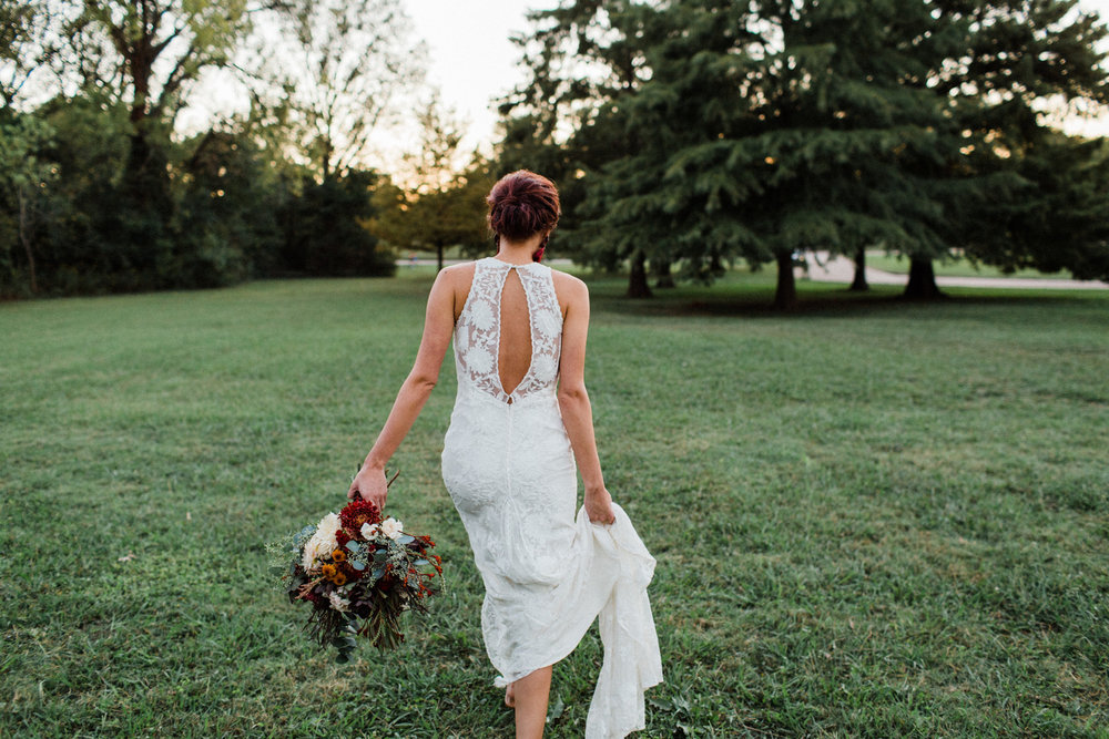 McCurdy_Bloom_LaurenBloomPhotography_MoodyDallasBridalsLaurenBloomPhotography30of37_big.jpg