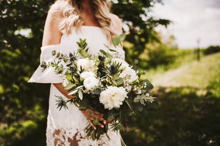 Bridal bouquet + wedding blog