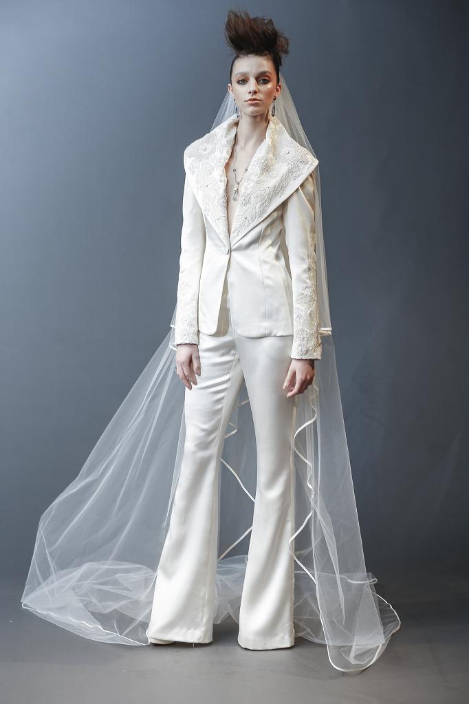 Wedding Dresses Extraordinary