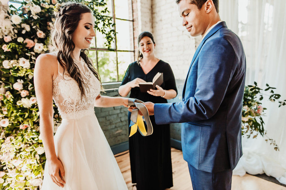 bröllop+industriellt+boho+vigsel
